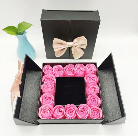 Coffret De Roses Pour Couple